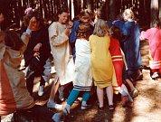 První skautský tábor pod názvem Tábor raků, se uskutečnil v červenci roku 1991 u rybníka Huntov, kde skauti a skautky táboří dodnes.