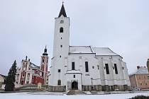 Děkanský kostel sv. archanděla Michaela v Pacově