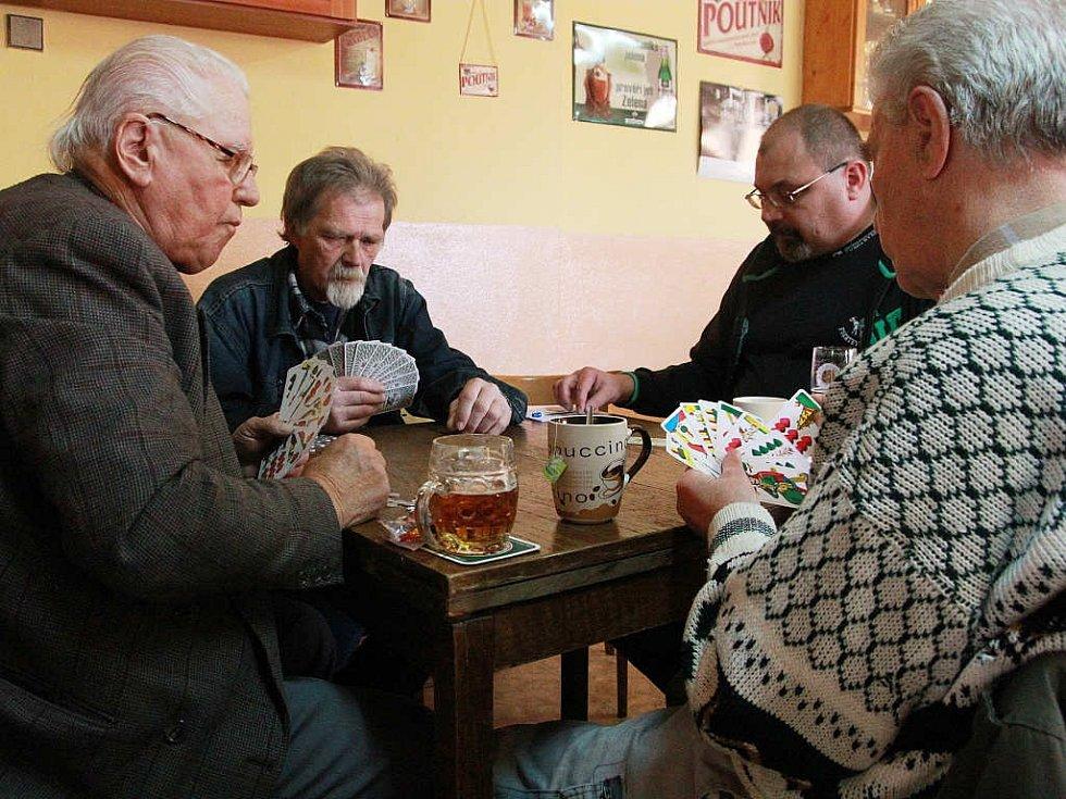 V Putimově se hrál licitovaný mariáš.