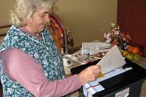 Hlasující v Domě seniorů by poslali do Parlamentu celkem šest stran včetně vítězné ODS.