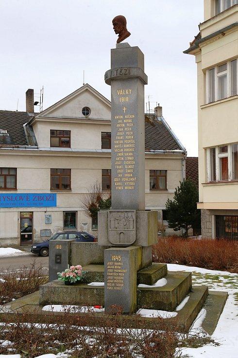 Nový Rychnov. Pomník obětem světových válek