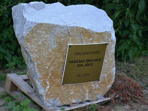 Základní kámen zbrojnice byl položen letos 20. května.