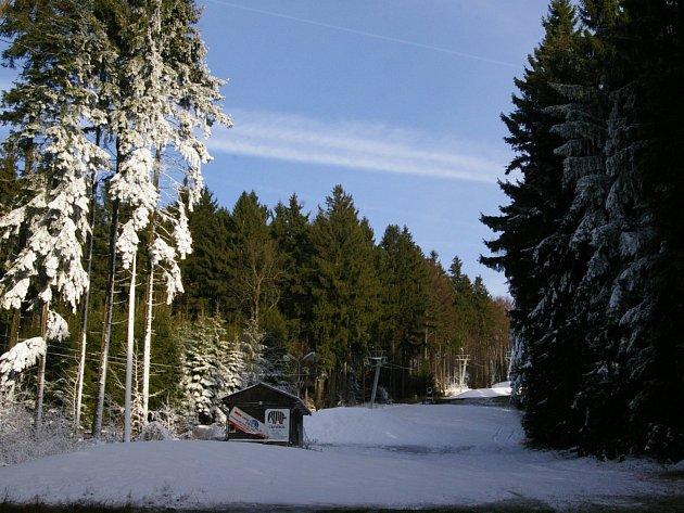 Na Křemešníku už je sníh.