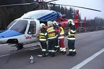 Při úterní nehodě na dálnici D1 utrpěla zranění jedna osoba, kterou zdravotníci transportovali letecky k dalšímu ošetření.