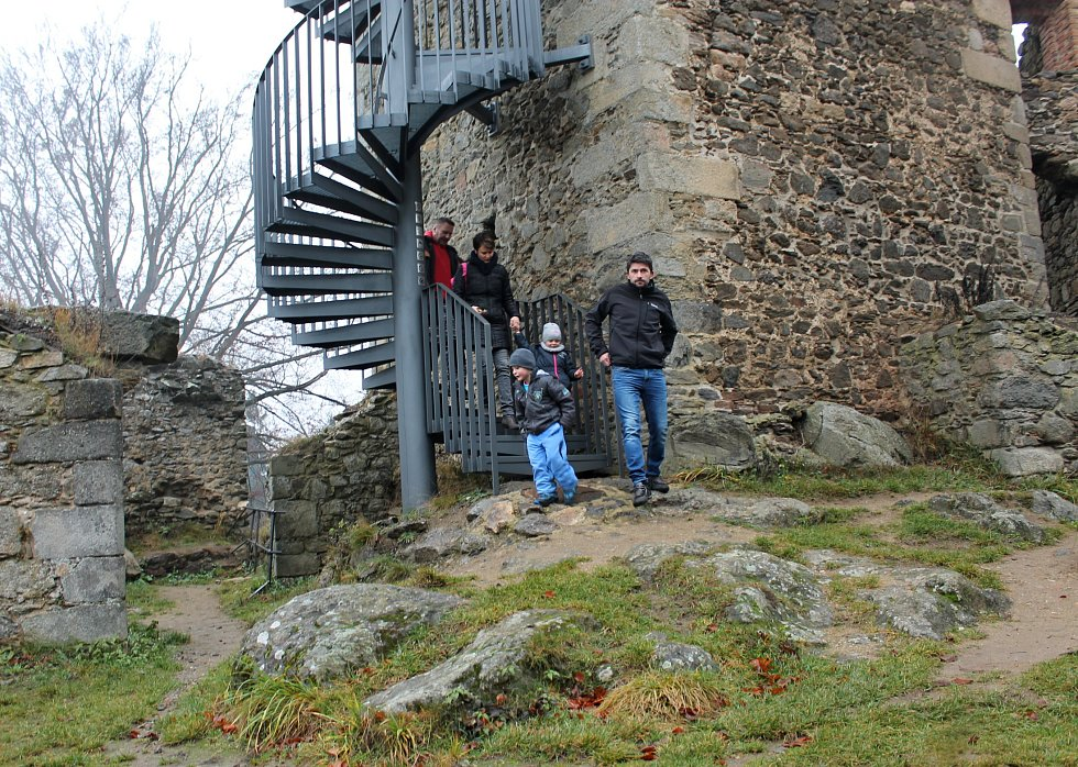 Advent na zřícenině hradu Orlík.