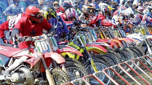 Do startovního roštu se v Pacově motokrosaři na mistrovství republiky postaví po roční odmlce.