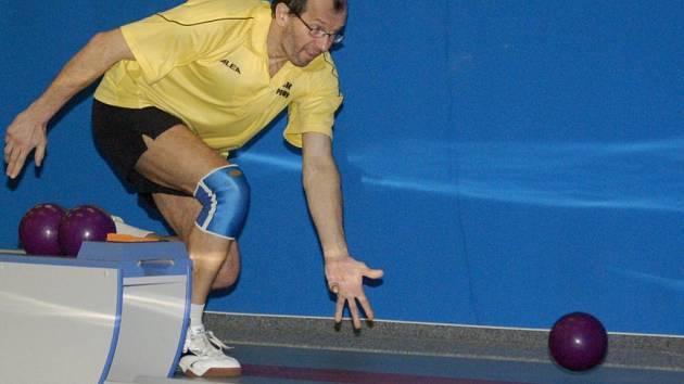 S nulou porazili pelhřimovští kuželkáři ve veledůležitém utkání Nové Město. Přispěl k tomu dobrým výkonem i Josef Fučík, který shodil 424 kuželek.