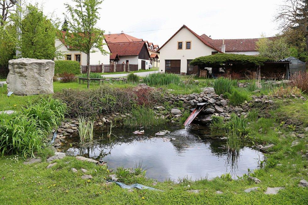 Lhota-Vlasenice