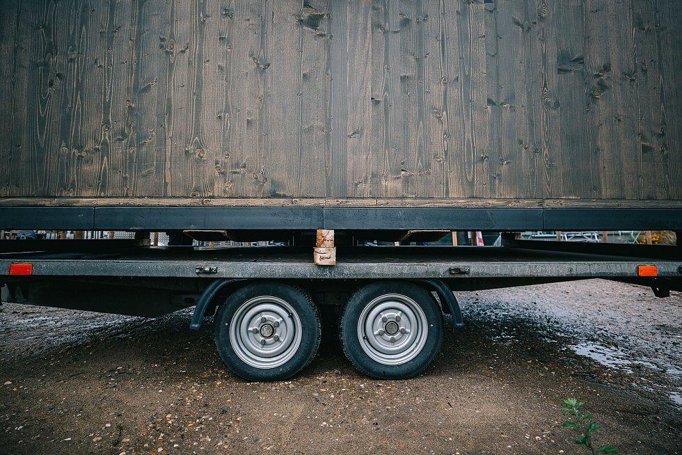 Pelhřimovská společnost TreeBee nabízí speciální posedy v modelu Domeček, Krabička a Saunička.