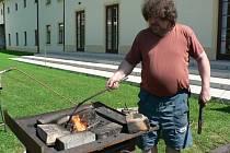Pacovský jarmark nabídl řemeslné výrobky či ukázky dobových řemesel. Nechybělo ani vystoupení pro nejmenší.