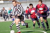 Důležitý první gól Pelhřimova  v domácím zápase s Vrchovinou obstaral Petr Adamec (na snímku vlevo).