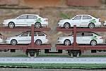 Nejdelší model vlakové soupravy používané  k přepravě osobních automobilů přijel ve středu na pelhřimovské nádraží.