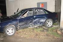 Čtvrteční srážka vozidel Audi A4 a Škoda Fabia v Pelhřimově v Křemešnické ulici