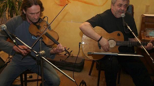 Jirka Vopava a Oskar Petr koncertovali v Pelhřimově.