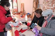 Vánoční prodejní výstava pelhřimovského Fokusu.