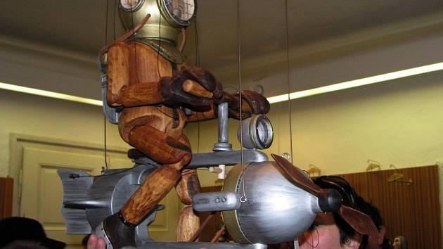 Vernisáž výstavy loutek v pacovském muzeum