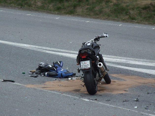Smrtelná nehoda na obchvatu u Pelhřimova