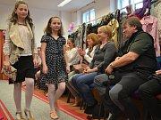 Módní přehlídka odstartovala šestý ročník Jarního charitativního bazaru.