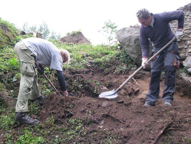 Archologický výzkum na zřícenině hradu Orlík