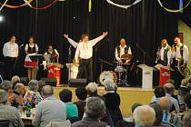 V Kejžlici se Vysočinka posluchačům v sále pochopitelně líbila. Oblíbená kapela zde v rámci série charitativních koncertů pro Světlušku zahrála 17. listopadu.