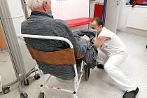 Hasiči celkem odpracovali v Nemocnici Pelhřimov 133 služeb po dvanácti hodinách.