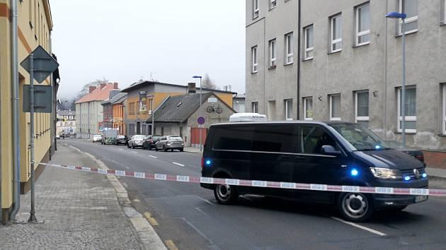 Policejní manévry v ulici Na Kasárnách v Humpolci.