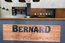 Bernard Bar.
