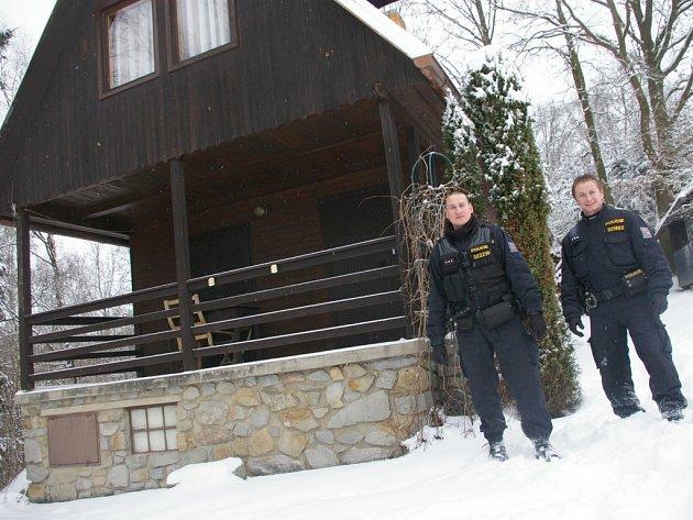 Terčem zlodějů jsou často chaty v odlehlých místech.