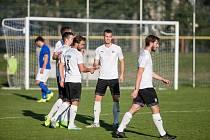 Až do konce letošního roku jsou fotbalisté Pelhřimova (na snímku) bez vlastní travnaté plochy.