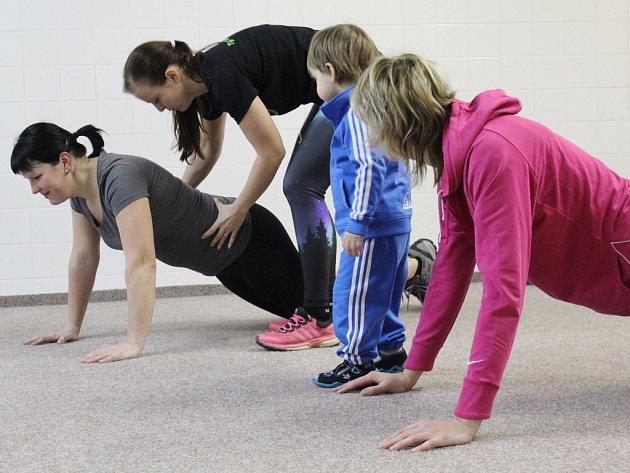 Kroužilky, aktivní ženy s kladným přístupem ke sportu, odstartovaly v Pelhřimově nové cvičení.