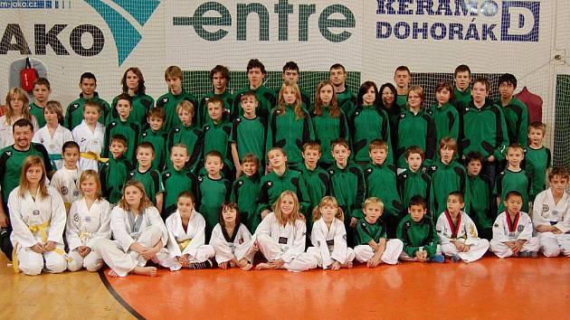 Klub Taekwondo Lacek se účastní každoročně turnajů v zahraničí. Dosud největšího úspěchu  dosáhla třetím místem na Mistrovství Evropy Kadetů Veronika Krejčová.