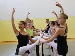 Letní prázdninová škola tance v Pelhřimově.