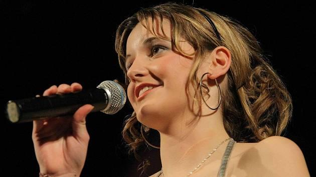 Letošní dívku roku 2008 vyhrála Petra Kubů z Obrataně