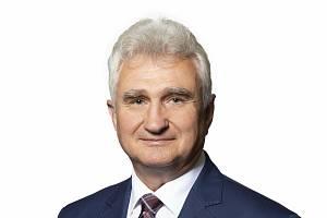 Někdejší odborářský šéf Milan Štěch je senátorem za Pelhřimovsko od vzniku Senátu.