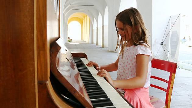 Piano na pelhřimovském náměstí