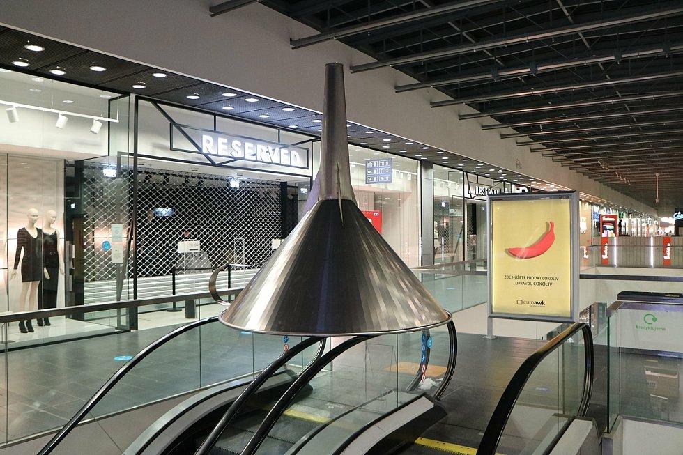 V jihlavském nákupním centru CityPark Jihlava začala výstava mapující 30. let rekordů v České republice
