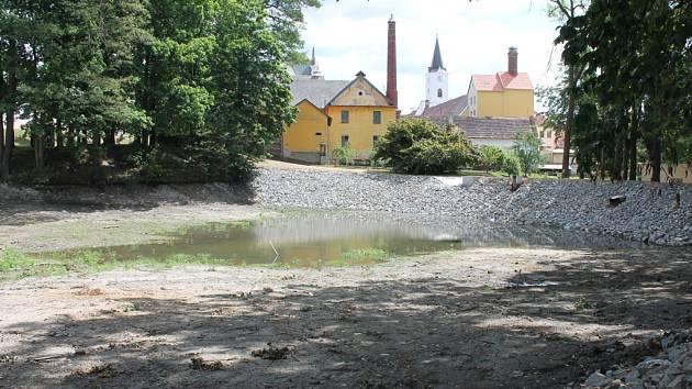 Pacovské rybníky se dočkaly revitalizace.