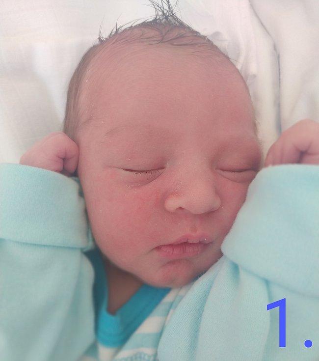 Eliáš Přibyl, 1.6.2021, Chmelná, 3180 g,49 cm