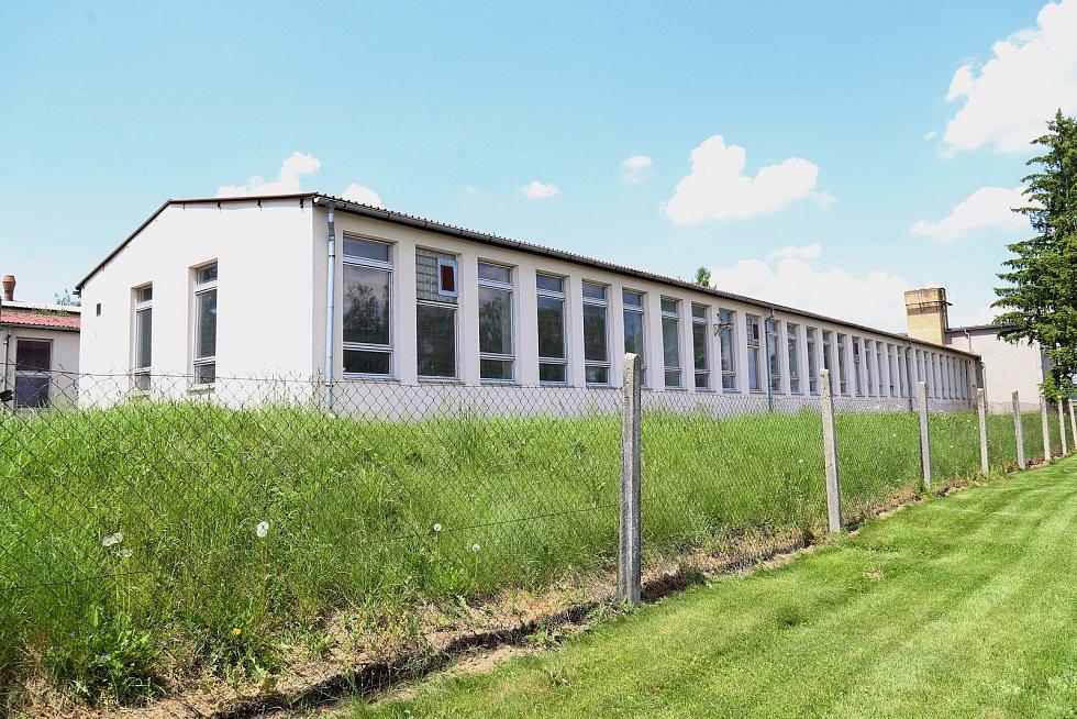 Kraj Vysočina chce k výstavbě nového depozitáře využít areál bývalých dílen Střední průmyslové školy a Středního odborného učiliště Pelhřimov v ulici K Silu.