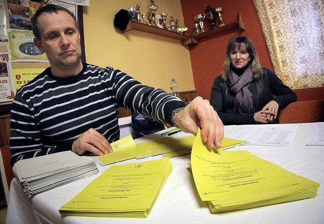 Volební komise ve Starém Pelhřimově