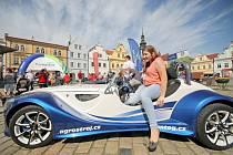 Krásu sportovních vozů Kaipan mohou tento týden obdivovat lidé na náměstích po celé Vysočině.