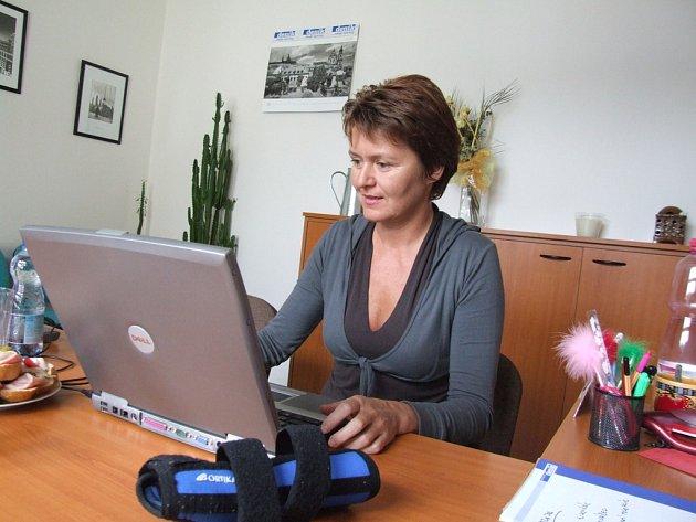 Marcela Kubíčková při online rozhovoru v redakci Pelhřimovského deníku.