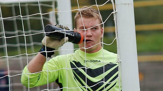 Hrdinou pelhřimovské juniorky byl v sobotu brankář Matěj Zabloudil. V prvním poločase zneškodnil hned několik šancí Polné, chytil i penaltu.