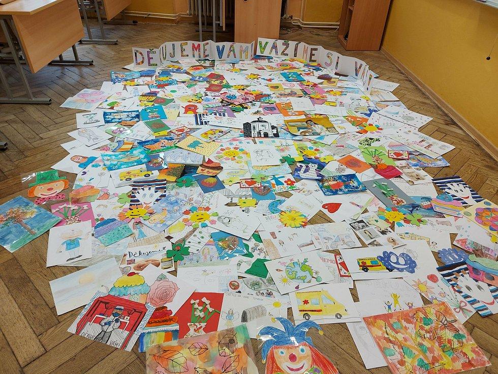 Žáci ZŠ Hálkova v Humpolci  přišli s projektem, jak podpořit zdravotníky v nejpostiženějších oblastech naší země.