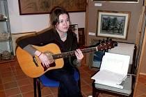 Beatu Bocek charakterizují melodické písně se zvukomalebnými texty.