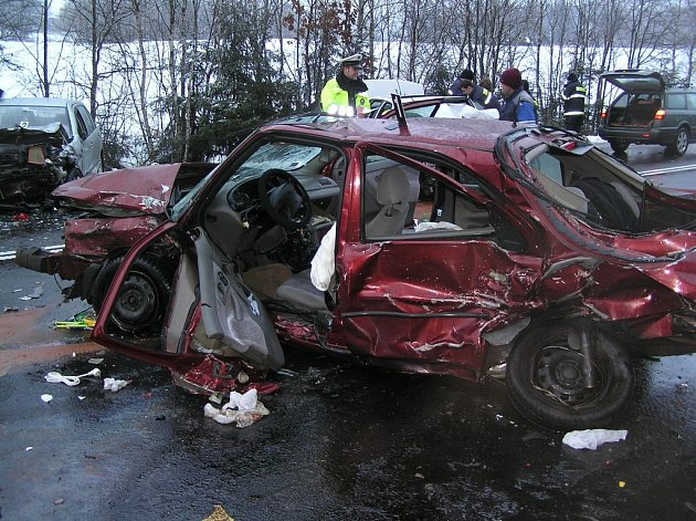 Nehoda u Velkého Rybníka zastavila dopravu