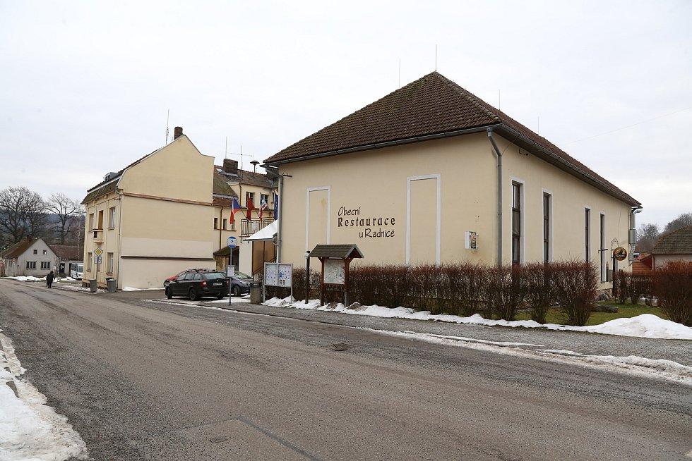 Nový Rychnov. Obecní restaurace u Radnice