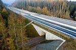 Skanska dokončila úsek dálnice u Humpolce před nástupem zimy.