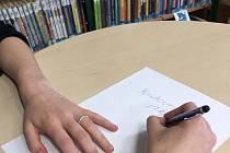 Knihovna v Humpolci vyhlásila literární soutěž nazvanou Knihovna jako ostrov