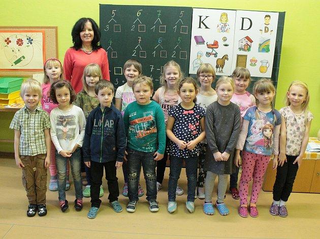 Na fotografii jsou žáci ze ZŠ Horní Cerekev, 1.třída paní učitelky Milady Jírové. Příště představíme prvňáky ze ZŠ Černovice.